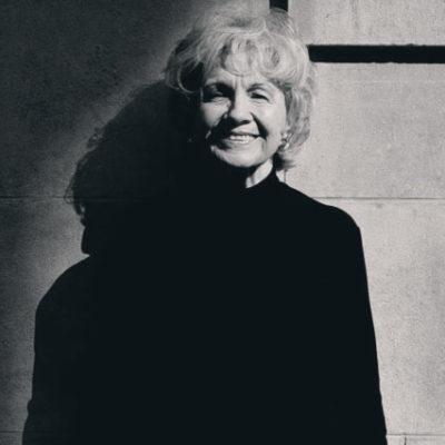 Öykü yazan bir sihirbaz: Alice Munro