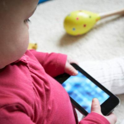 Tablet bilgisayarına annesi el koyunca polisi aradı
