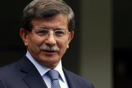 Gül'den sonra Davutoğlu da Trump'ı eleştirdi: Müslümanların yasaklanmasını kurumsallaştırıyor