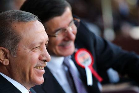 """""""Ne oldu da Davutoğlu bir anda konuşmaya karar verdi?"""""""