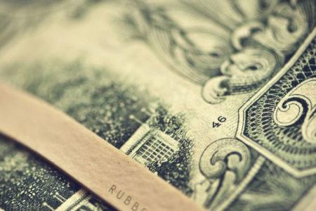 Fitch'in kararı sonrası dolar 3.87 seviyesinde işlem görüyor