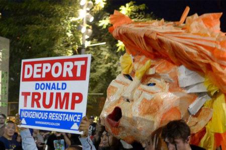 Trump'ın Müslüman karşıtı söylemleri tüm ABD'de protesto ediliyor