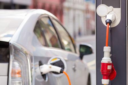 Elektrikli araç sayısının 2035 yılında 100 milyonu bulacağı öngörülüyor
