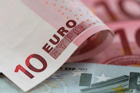 Euro haftaya 4.0 liranın üzerinde başladı