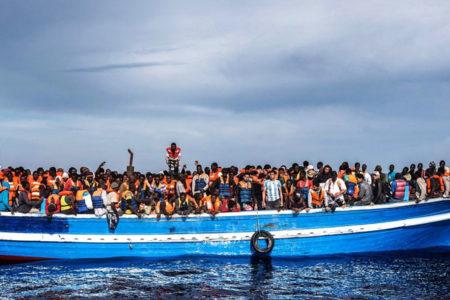 Akdeniz'de tekne faciası: 100 göçmen kayıp