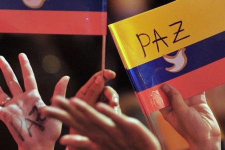 Barış güvercinleri Kolombiya'da: FARC silah bırakıyor