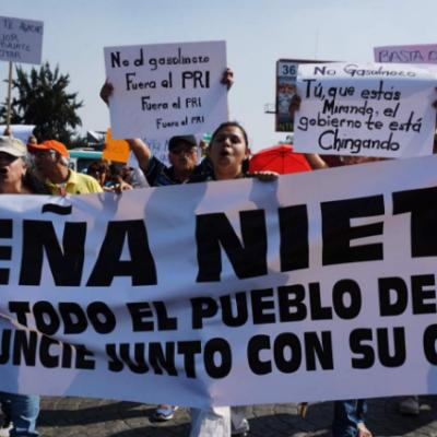 Meksika'da zam sonrası halk benzin istasyonlarını işgal etti