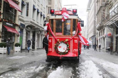 İstiklal Caddesi'nin sembolü tramvay kaldırılıyor