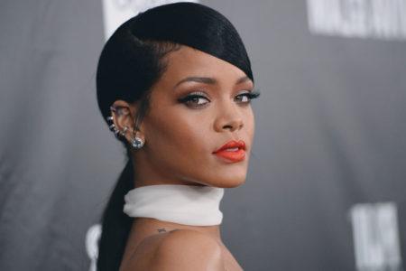 Rihanna'dan Trump'a: Ahlaksız domuz!