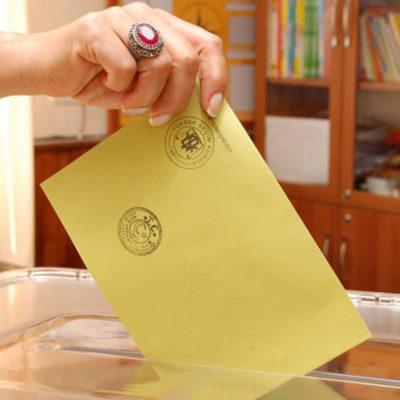 Yüksekova'da sandık başkanlarının tamamı AK Partili