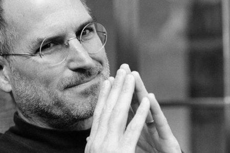 Trump'a tepki: 'Apple'ın kurucusu Steve Jobs Suriyeli bir göçmenin oğluydu'