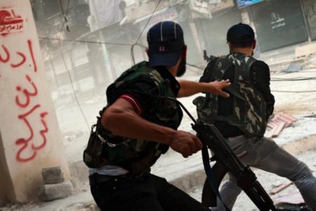 'Özgür Suriye Ordusu ve ABD destekli Suriye Demokratik Güçleri çatışıyor'