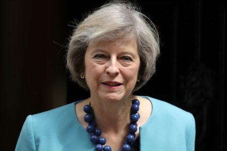 Theresa May yeni kabineyi kurdu: Öncelik Brexit