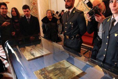 Mafyanın elinde bulunan Van Gogh tabloları ilk kez sergileniyor