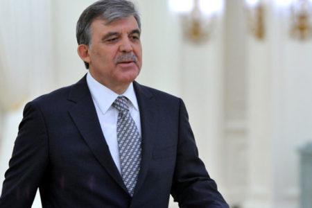 Abdullah Gül'den 'Kürdistan bayrağı' açıklaması: 'Birliği tehdit ediyor'