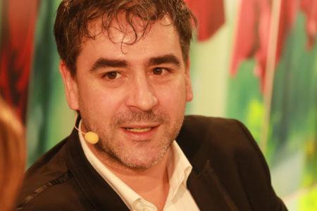 Die Welt muhabiri Deniz Yücel İstanbul'da gözaltına alındı