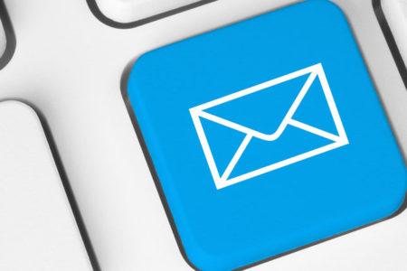 Kurbağalara da e-postaya da inanıyorum