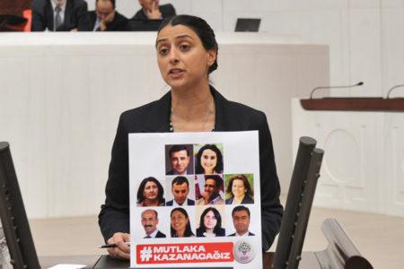 HDP'li vekil Feleknas Uca için 'zorla getirme' kararı