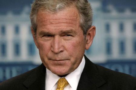 Eski Başkan Bush'tan Trump'a: 'ABD değerleriyle uyuşmuyor'