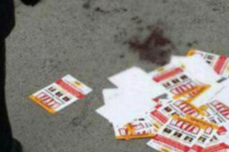 'Hayır' bildirisi dağıtan gençlere döner bıçaklı saldırı
