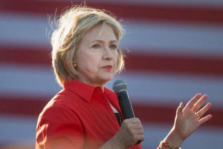 Clinton başkanlık yarışının kitabını yazıyor