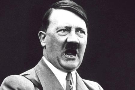 Kendini Adolf Hitler'e benzeten bir kişi gözaltına alındı