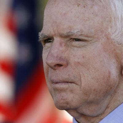 Senatör McCain: Tarihte de diktatörler de ilk iş olarak medyayı susturmuştu