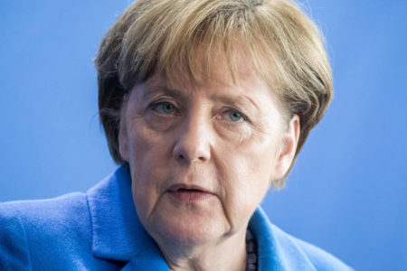 Merkel: Kimyasal saldırı Esad'ın işi