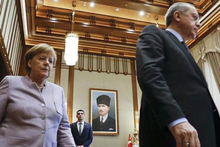 """İngiliz gazete: """"Erdoğan Nazi dokundurması ile AB'yle ilişkileri bozdu"""""""