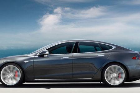 Tesla, üç ayda tarihinin en büyük zararını yaşadı