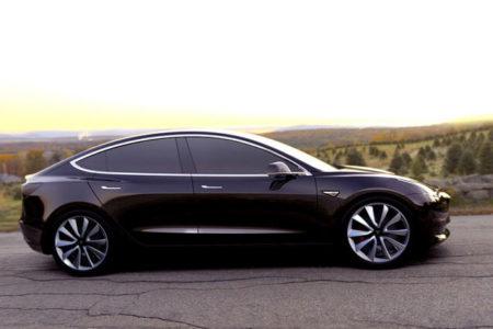 Tesla, yeni elektrikli otomobilin seri üretimine eylülde başlayacak