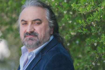 Volkan Konak, İzmir Marşı'nı söylediği konser görüntülerini paylaştı