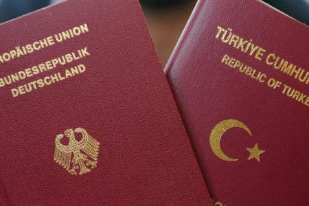 10 Alman vatandaşından 6'sı çifte vatandaşlığa karşı