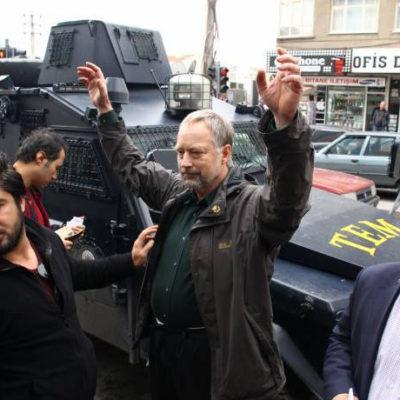 Alman gazeteci Diyarbakır'da gözaltına alındı