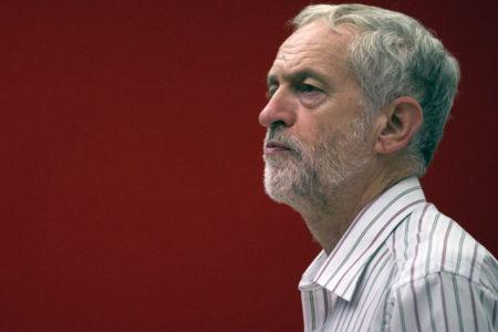 Corbyn: Gazetecileri ya da yargıçları hapseden hükümetlere karşı çıkacağız