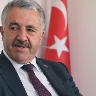 Bakan Arslan: Sokaktan bir tane 18 yaşındaki genci alıp milletvekili yapacak halimiz yok