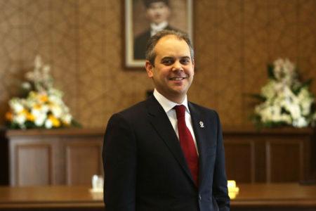 Hakan Şükür ve Arif Erdem'in ihraç edilmemesine Bakan tepkisi: Bu karar ivedi şekilde düzeltilmelidir