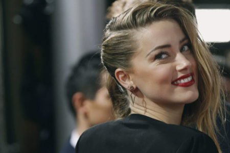 Amber Heard: 'Hollywood'da farklı cinsel yönelime sahip olan ünlüler açılsa, nefretin önüne geçeriz'