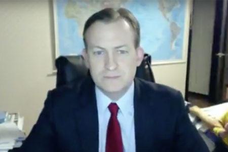 BBC röportajının ortasında çocukları odaya daldı!