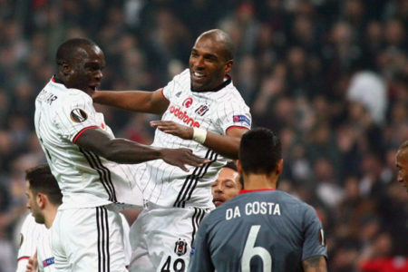 Beşiktaş 10 kişiyle farka koştu