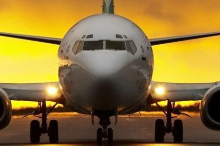 Şiddetli fırtınaya rağmen Boeing 737'yi böyle indirdi