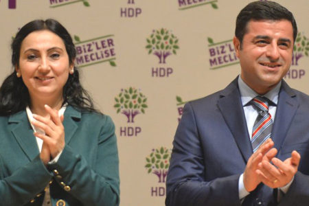 Yüksekdağ ve Demirtaş'tan Newroz mesajı: Zalimin karşısında diz çökmeyeceğiz