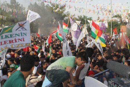 HDP mitingindeki patlamada ihmali bulunan polislere 'maaş kesme' cezası