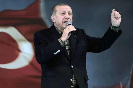 Almanya: Erdoğan ancak Federal Hükümet'in izniyle Türk konsolosluğunda konuşabilir