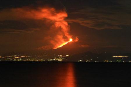 BBC ekibi Etna patlamasını böyle görüntüledi