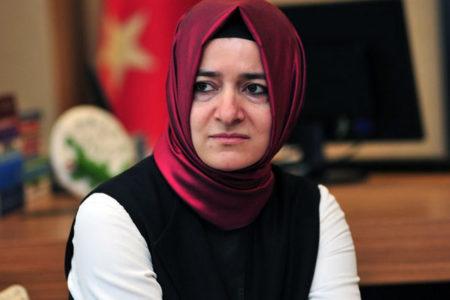 Aile Bakanı'nın katıldığı 'Üniversiteliler soruyor' etkinliğine üniversiteliler alınmadı