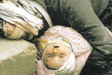 """Halepçe tanığı Öztürk: """"Ağırlığını bebeğe vermemek için dirseğini destek yapıyor çocuğa"""""""