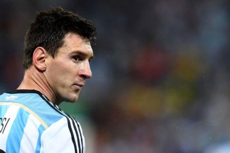 Messi'ye '4 maç milli takımdan men' cezası
