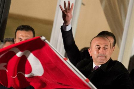 Dışişleri Bakanı Çavuşoğlu: Bizde Hollanda'daki gibi faşist bir hükümet yok