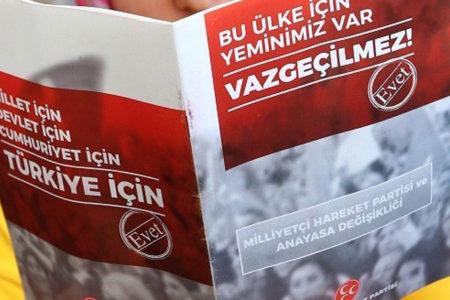 """MHP'den 'neden evet diyoruz' kitapçığı: """"Biz yanlış yapmıyoruz ki telaşa kapılalım"""""""